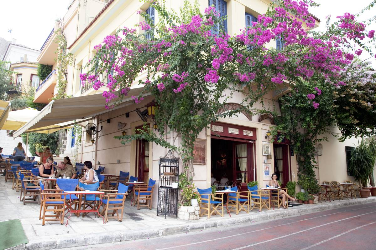 greek restaurant in plaka near acropolis