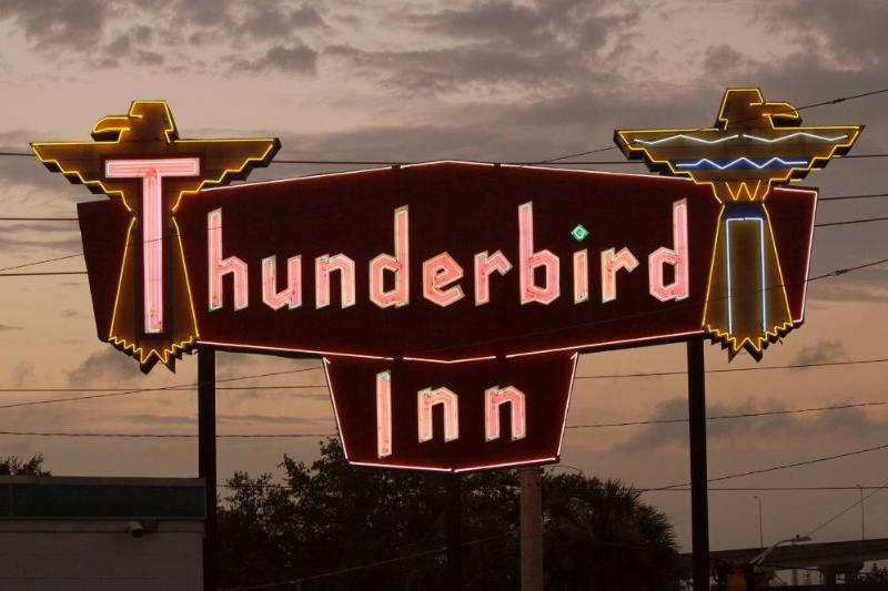 Thunderbird Inn's