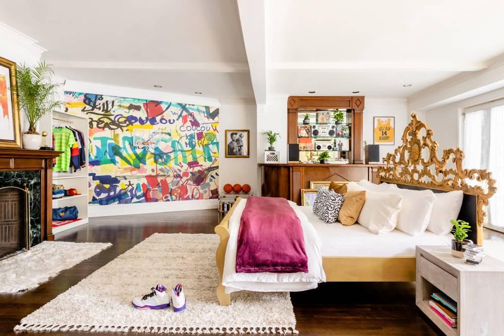 prince living bedroom