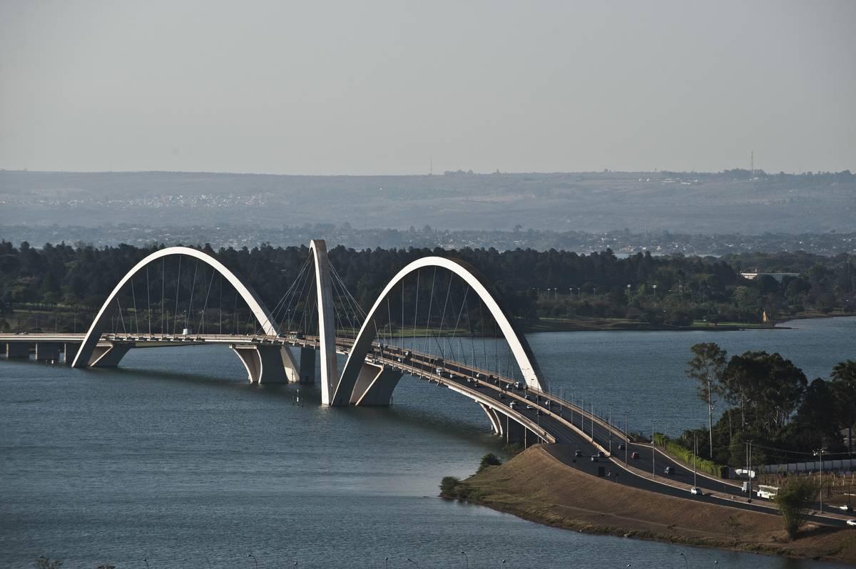 Juscelino Kubitschek Bridge Is A Whopping 3,900 Feet Across