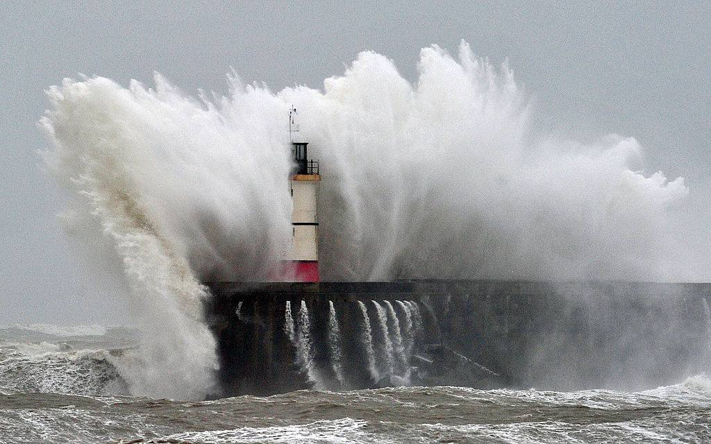 Picture of giant wave