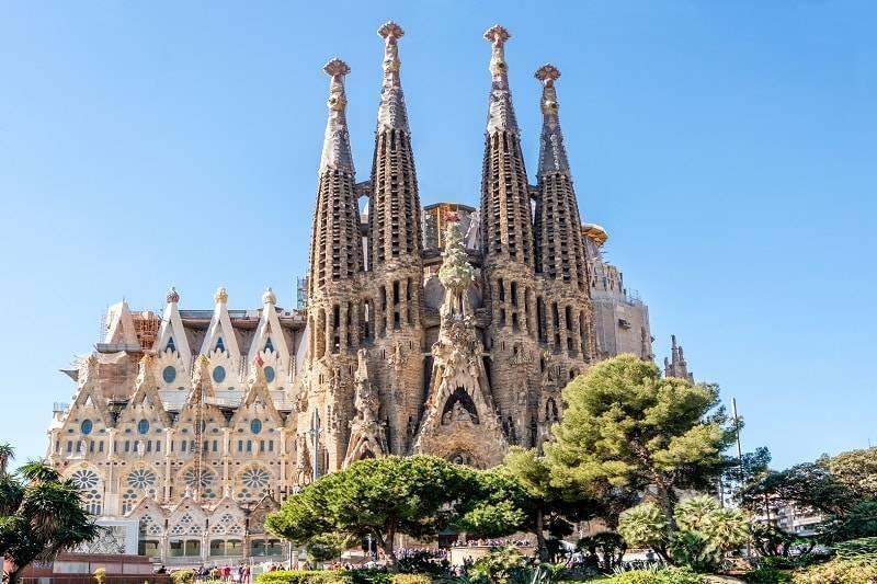 Sagrada-Familia-in-Barcelona