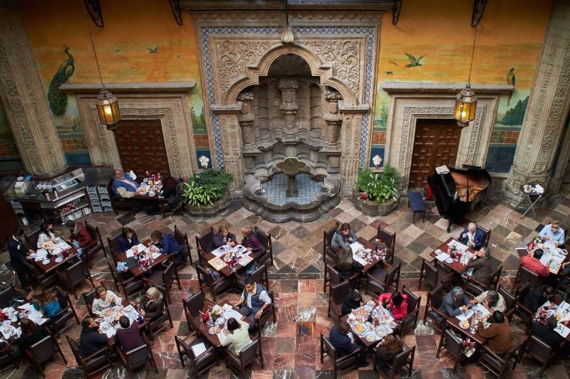 America. Casa de los azulejos. Historical center. Madero avenue. Mexico. Mexico City. patio and drugstore Sanborn's