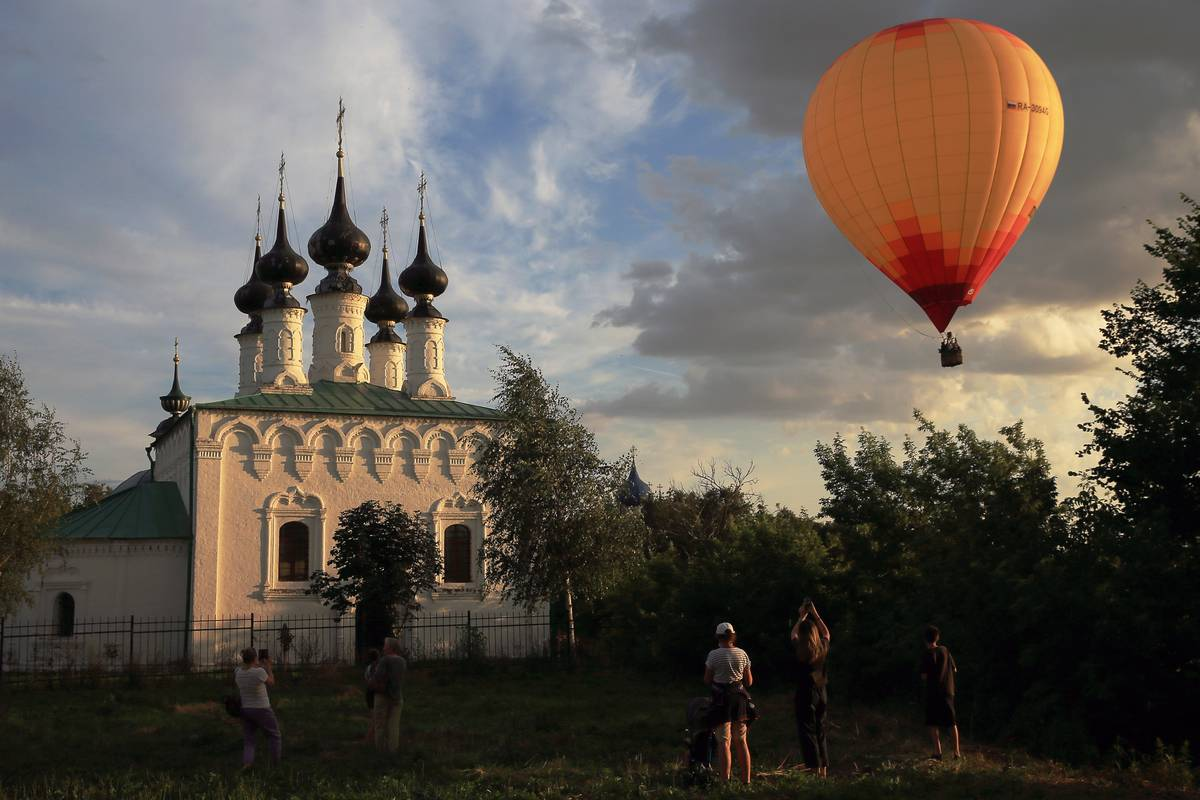 Russian Golden Ring Balloon Festival in Suzdal