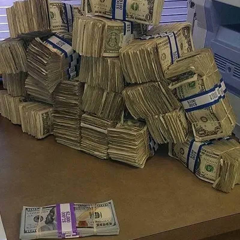 100-bills-87948